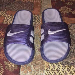 Nike slides🖤